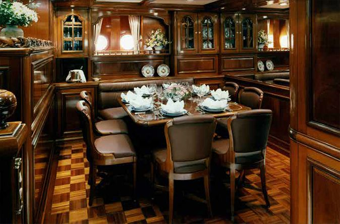 Vitters Yacht Thalia - Interior by Colombo Mobili