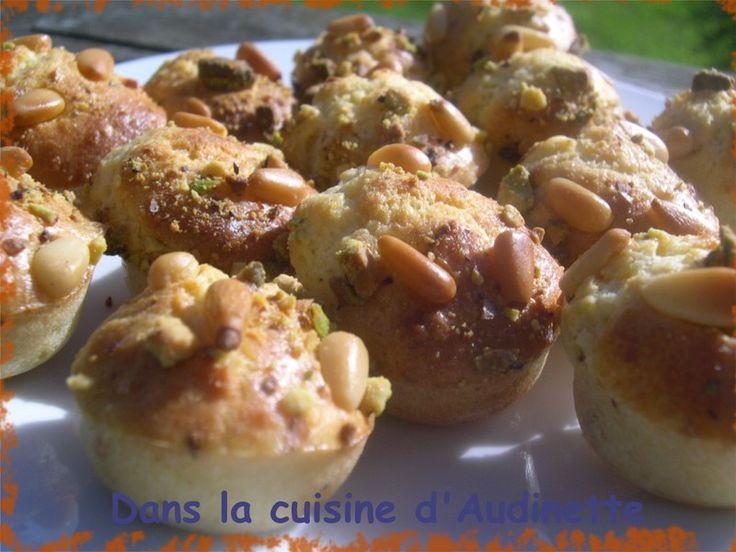 Bouchées au Parmesan, Noisettes, Pignons et Pistaches