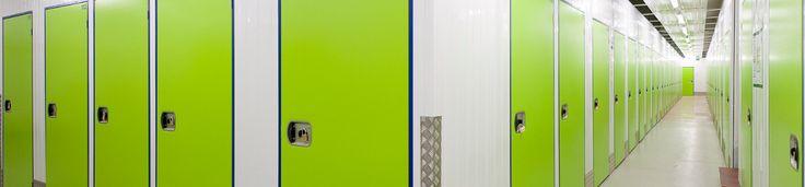 Umzug und Einlagerung von Möbeln in Selfstorage Lagern vergleichen. Möbel einlagern lassen oder lieber selbst lagern? Lagertipps für Unentschlossene.