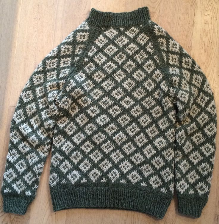 Faroese Jumper Knitting Patterns : 204 best images about Faroese wool knit on Pinterest Wool, Nature and Yarns