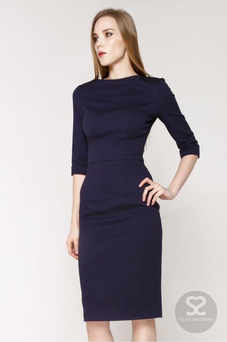 Платье футляр с рукавом три четверти из костюмной ткани   Skazkina
