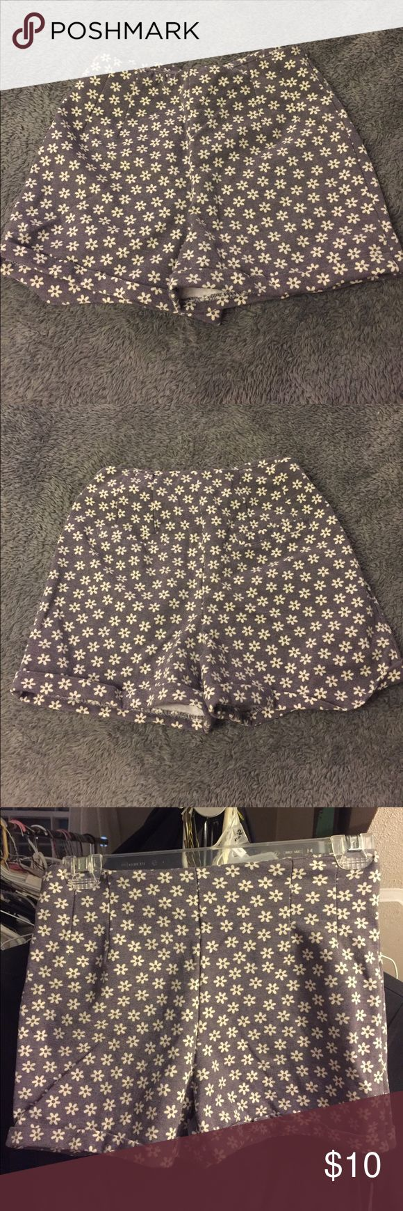Brandy Melville Floral Shorts Comfortable Stretchy Material, never worn, new with tags , never fit Brandy Melville Shorts