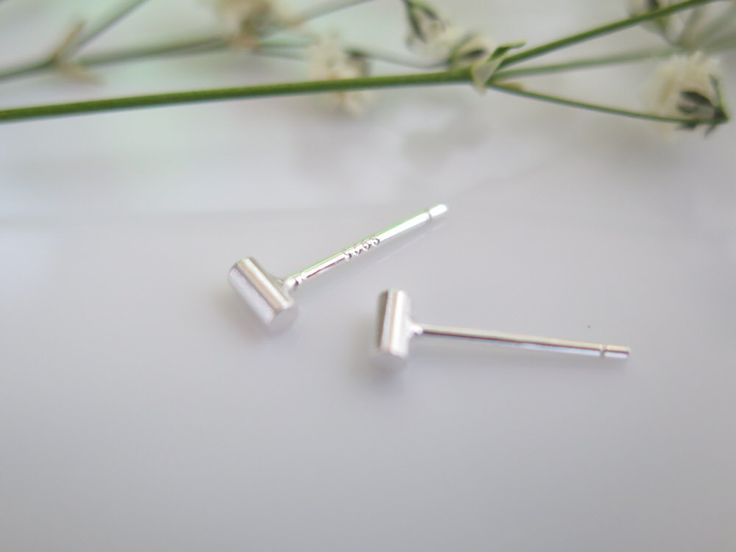 925 Sterling Silver Earrings/Tiny star  Earrings with Gift box /simple post earring/star earring by thinlight on Etsy