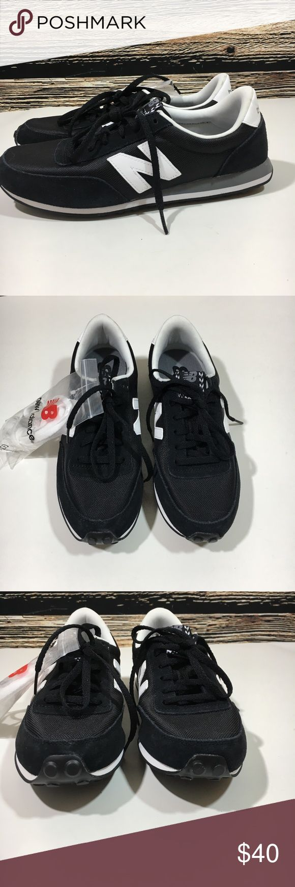 New balance running shoes black white wl410vic 8 New Balance style wl410vic black/white running shoes with black laces, extra white pair of laces are included. Women's size 8 US. New without box New Balance Shoes Sneakers