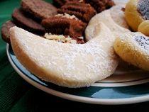 Almond Shortbread Crescent Cookies