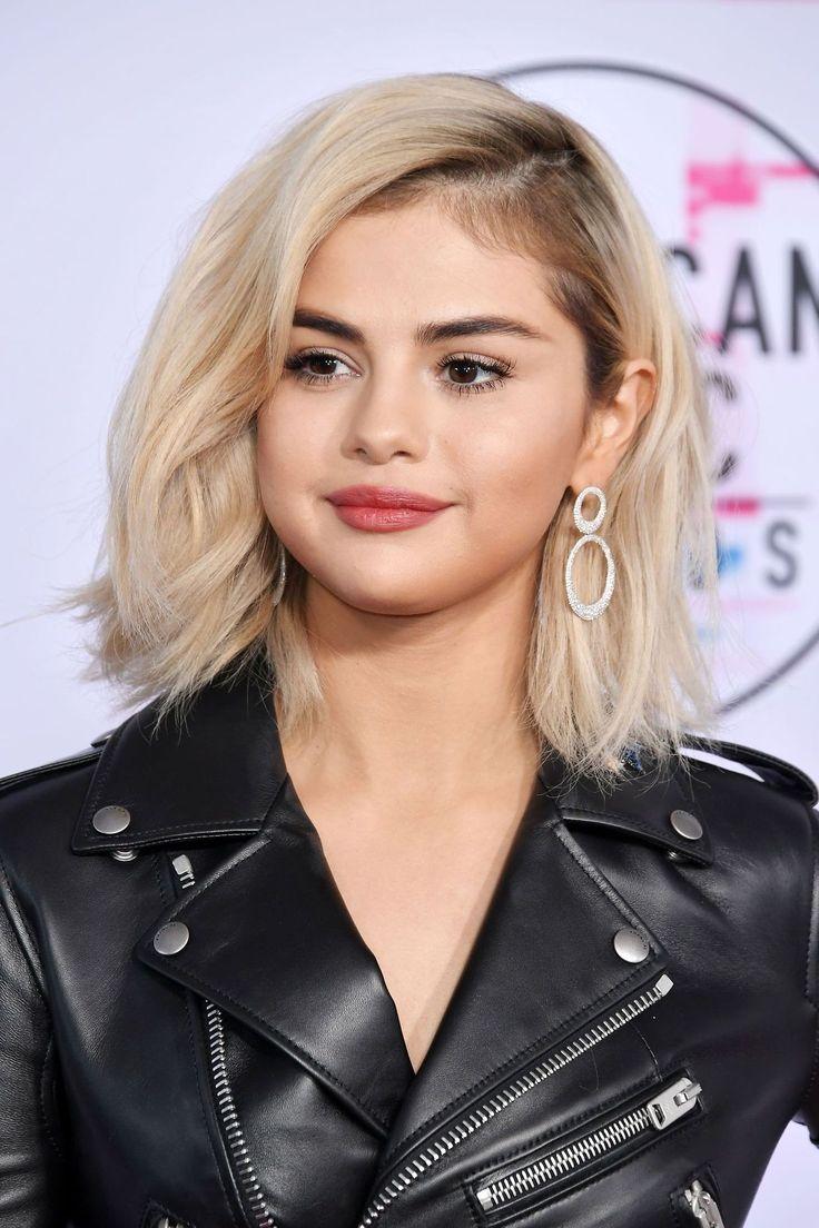 tThe new atomatic blonde:Selena Gomez