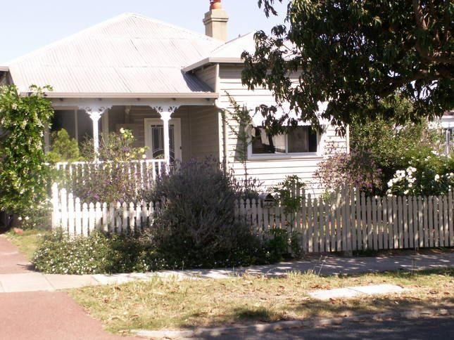 Central - Character House House in Victoria Park East, WA  From $160 per night min stay 4 nights