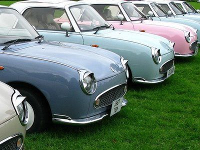 Le Meow Le Mew: Car Lust//Nissan Figaro ice cream pink or pistachio, never liked green cars but could be tempted :)