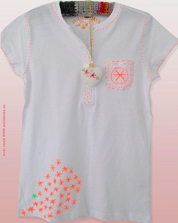 t-shirt pimpen, textielstift, sterren en stippen, neon, diy