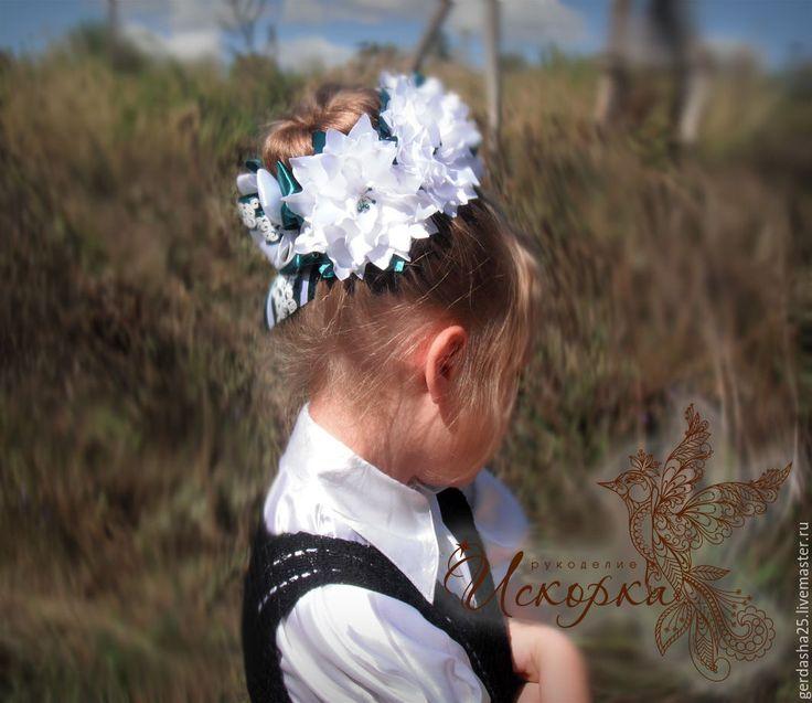 Купить Украшение на пучок - комбинированный, белый, украшение на пучок, украшение для волос, цветы, канзаши, резинка
