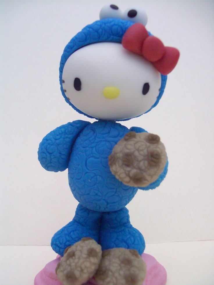 Hello Kitty disfrazada de Cookie Monster. Figura en pasta francesa