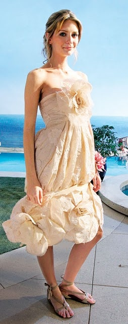 love her prom dress. if only i lived in the OC