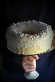 Oggi vi parlo di un mio nuovo esperimento riuscitissimo :) Ho pensato di fare questa maxi doughnut o donut :) con...