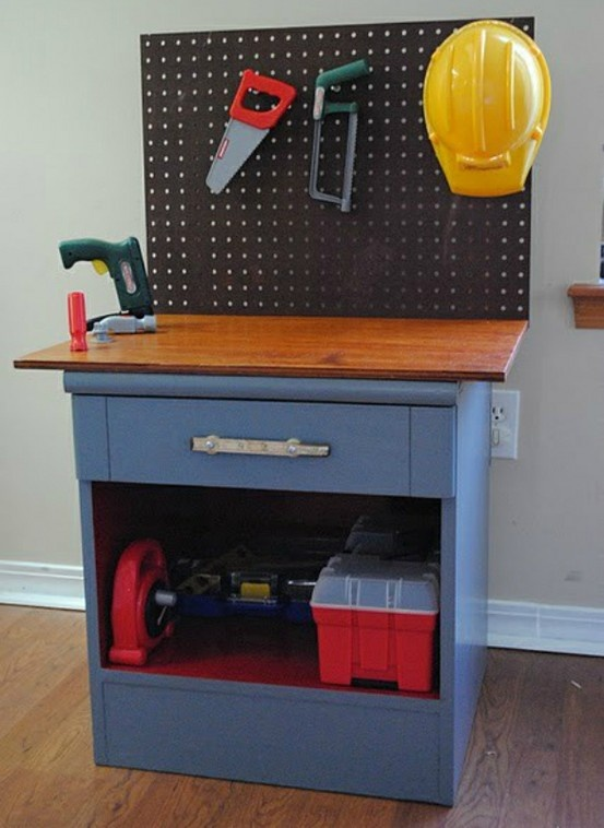 gifts to make for boys boys workbenches and gifts. Black Bedroom Furniture Sets. Home Design Ideas