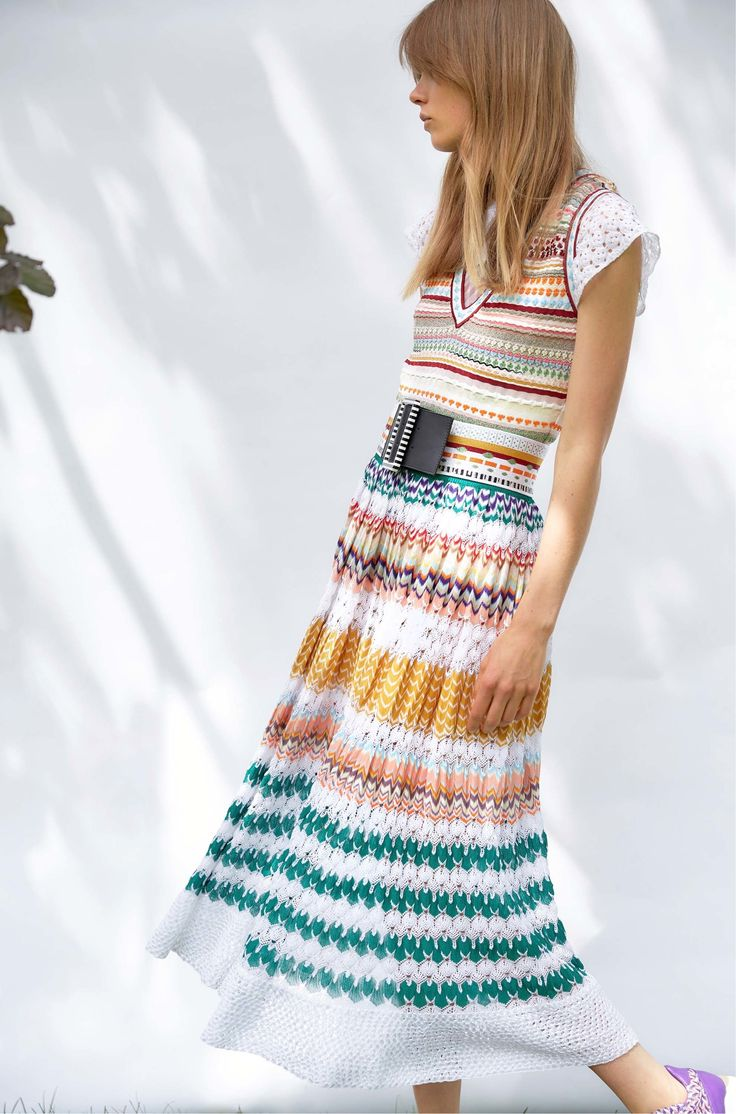Missoni Resort 2017 Fashion Show  http://www.vogue.com/fashion-shows/resort-2017/missoni/slideshow/collection#24