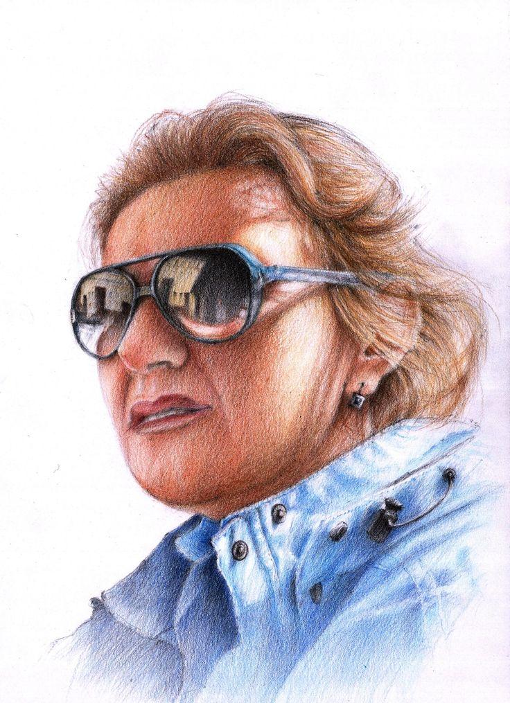 Hej. To jest portret zrobiony u nas na zajęciach z portretów :)  Co pewien czas uruchamiamy takie zajęcie więc warto się dowiadywać. Oczywiście autorka tej pracy jest w stanie zrobić taki portret na zamówienie. Odwiedź naszą stronę : http://www.domin.pl/