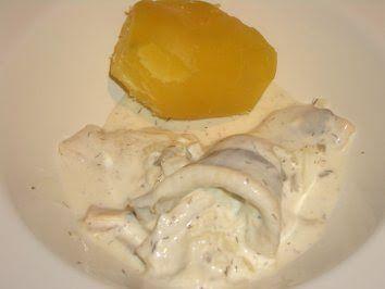 Verboten gut ⚠: Hering in Joghurt ~ Schmand ~ Dillsauce mit Pellkartoffeln