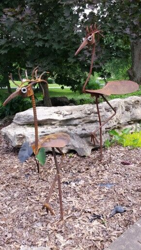 Yard birds. Metal art by Mike Davis.