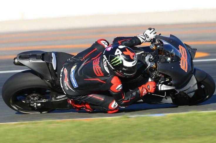 Bersama Ducati, Lorenzo Berambisi Samai Rekor Rossi