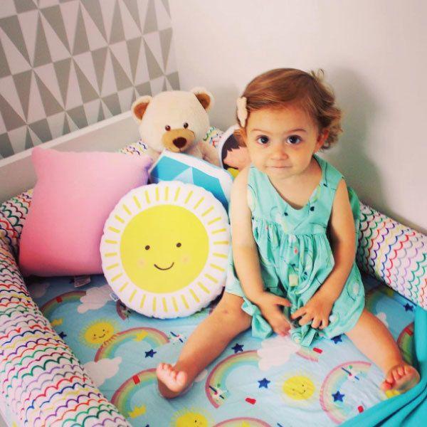 A estampa Lá vem o Sol da @bubblebee faz o maior sucesso com os pequenos na hora de dormir! Quem aguenta tanta fofura? Veja aqui todas as estampas:http://bit.ly/lavemosol.