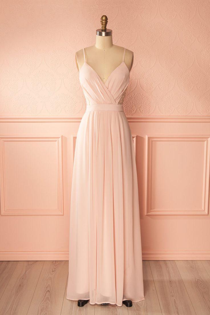 Light pink flowy gown with lace details - Robe maxi rose pâle avec détails de dentelle