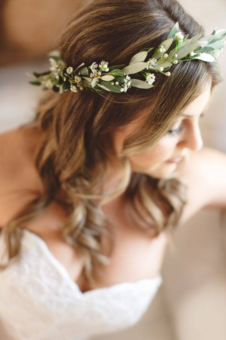 Soft & Romantic California Nuptials at Malibou Lake Mountain Club | Santa Barbara | Photo by Anna Delores Photography | Freckle Farms Florists | Velvet Alley Events | floral crown simple