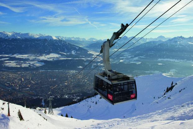 Blick von der Nordkette auf Innsbruck (Foto: Mario Webhofer, Innsbruck Tourismus)