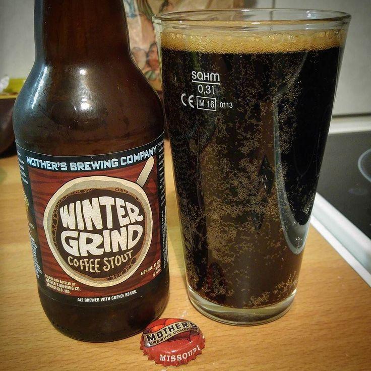 Dégustation de la Winter Grind Coffee Stout de la Mother's Brewing Company #Springfield #Missouri #USA Une bière très intéressante avec le goût et l'odeur des grains de café  cc @mothersbrewing ............................................................................. #BeerTime #ZythoTaste #Beer #Bier #Bière #Øl #Olut #Olout #Öl #Birre #Birra #Cerveza #Pivo #Cerveja #Пиво #ビール #Bīru #Bia  #beercaps #igbeer #beersommelier #beerstagram #loversbeer #instapic