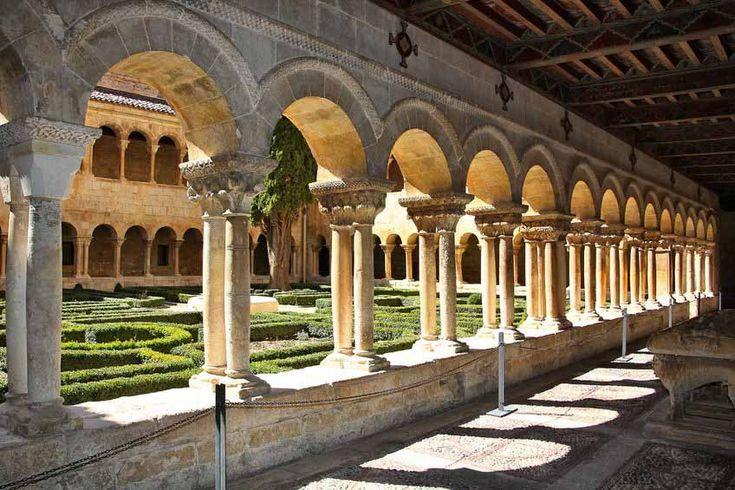 claustro-monasterio-de-santo-domingo-de-silos