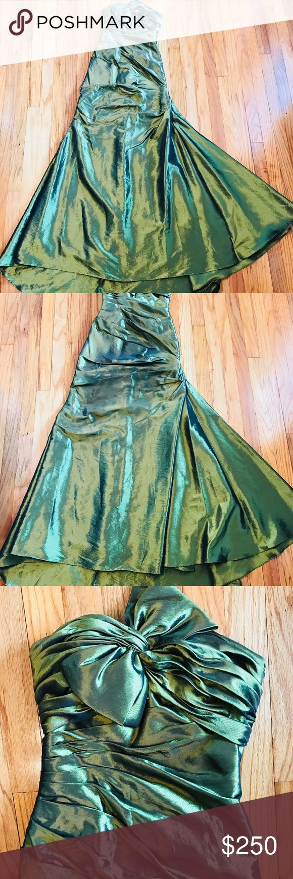 Emerald green prom dress Gorgeous! Stunning against any skin tone, definitely stands out amongst other dresses, especially in the light when you turn! Only worn once, no stains, tears or rips! Dresses Prom