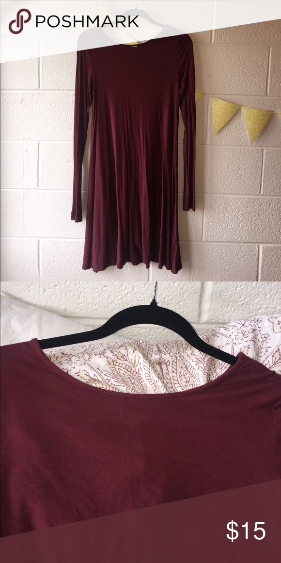 Maroon long sleeve dress Long sleeve maroon dress. Comes down to knee. Beautiful color. Great condition! Old Navy Dresses Long Sleeve