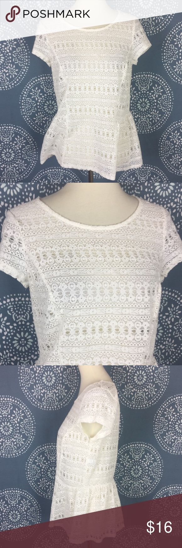 "LC Lauren Conrad White Lace Peplum Top Pretty Lauren Conrad white lace top with a peplum bottom. T has a crew neck and cap sleeves. Lovely top in great condition.  17.5"" armpit to armpit 23.5"" long LC Lauren Conrad Tops"