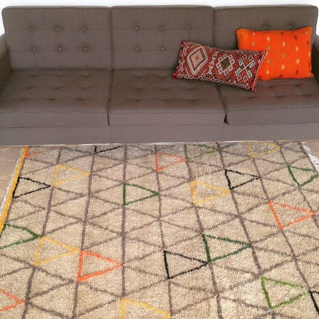 tapis gris et orange maison design. Black Bedroom Furniture Sets. Home Design Ideas
