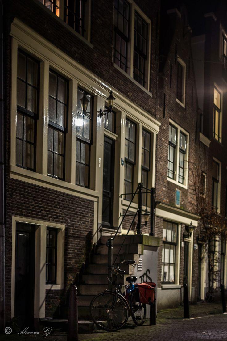 #amsterdam #canalhouse #bike #fiets #streetphotography ##maximg_photography #nightphotography