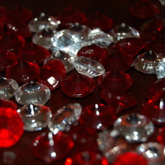 Rubies are the traditional gift for a 40th wedding anniversary.