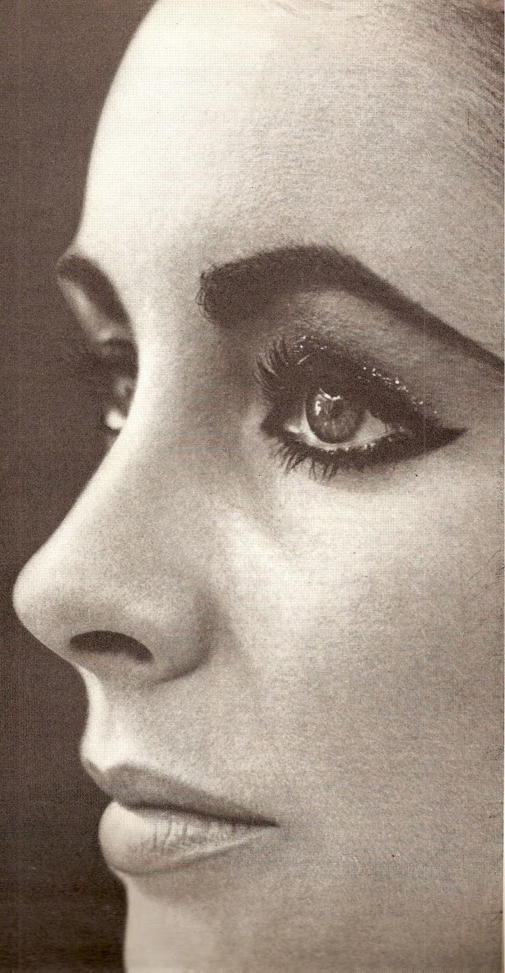 Elizabeth Taylor cat eye