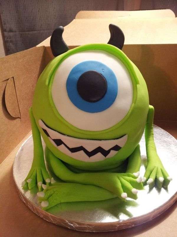 Monster Inc. cake. Tinkies would love this!