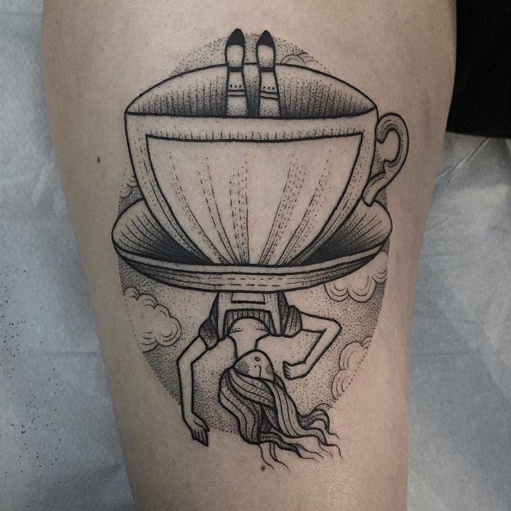 Alice in Wonderland tattoo by Susanne König  -  Tatuaje de Alicia en el País de…