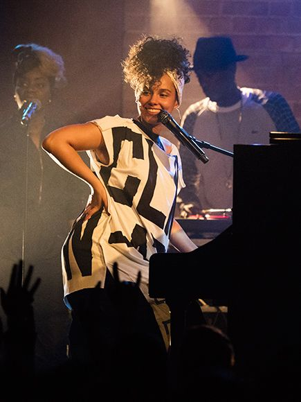 Star Tracks: Monday, May 31, 2016 | PIANO WOMAN | Alicia Keys is all smiles as she performs at the Village Underground in London on Thursday.