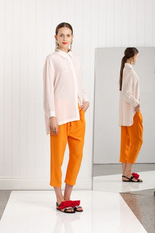 Easton Pearson Spring/ Summer 2014 This look explores a simpler aesthetic while still using bold colours. the low crouch trousers create a relaxed look which is added to by the oversized shirt. Drape.  eastonpearson.com