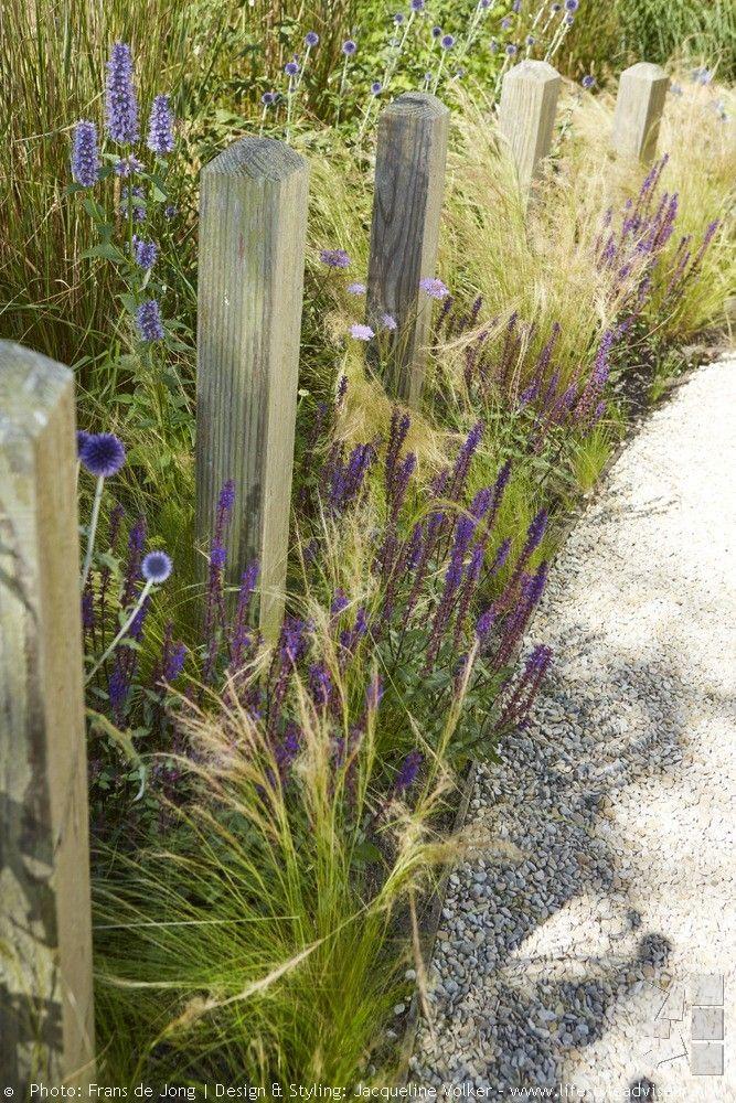 Voortuin en zij tuin in strandsfeer. DESIGNED BY: Jacqueline Volker – 2012…