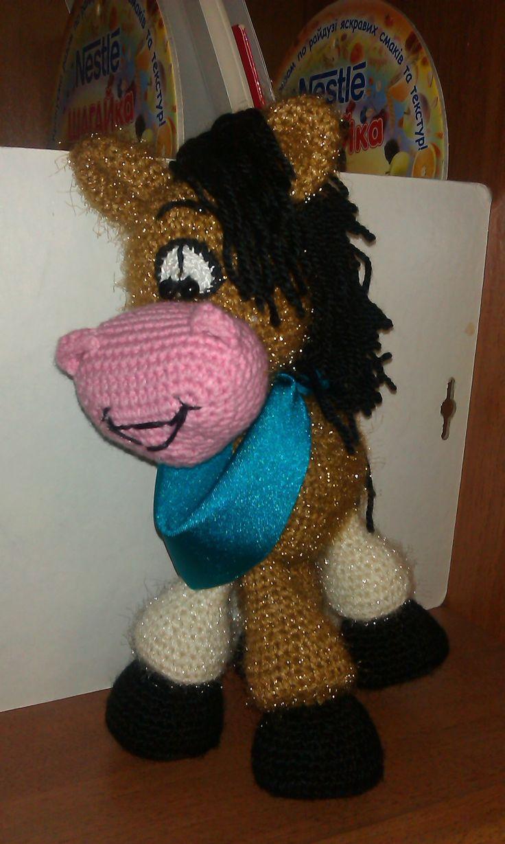 Вязаная игрушка- лошадь