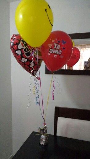 Arreglo globos Incluye 2 globos estampados+1 globo metalizado+1 base $18.000 Contactenos 3727281-3153170602 Cali- Colombia