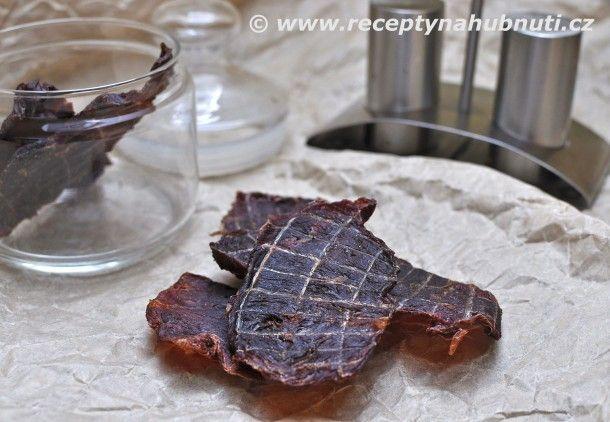 Recept na sušené maso – JERKY  Maso vložíme asi na hodinu do mrazáku, aby lehce…