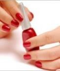5 Bad Habits That Are Ruining Your Nails
