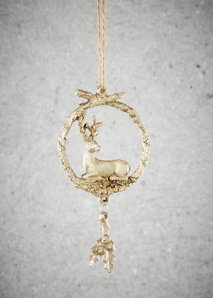 Stag And Wreath Christmas Tree Decoration (13cm x 7cm)