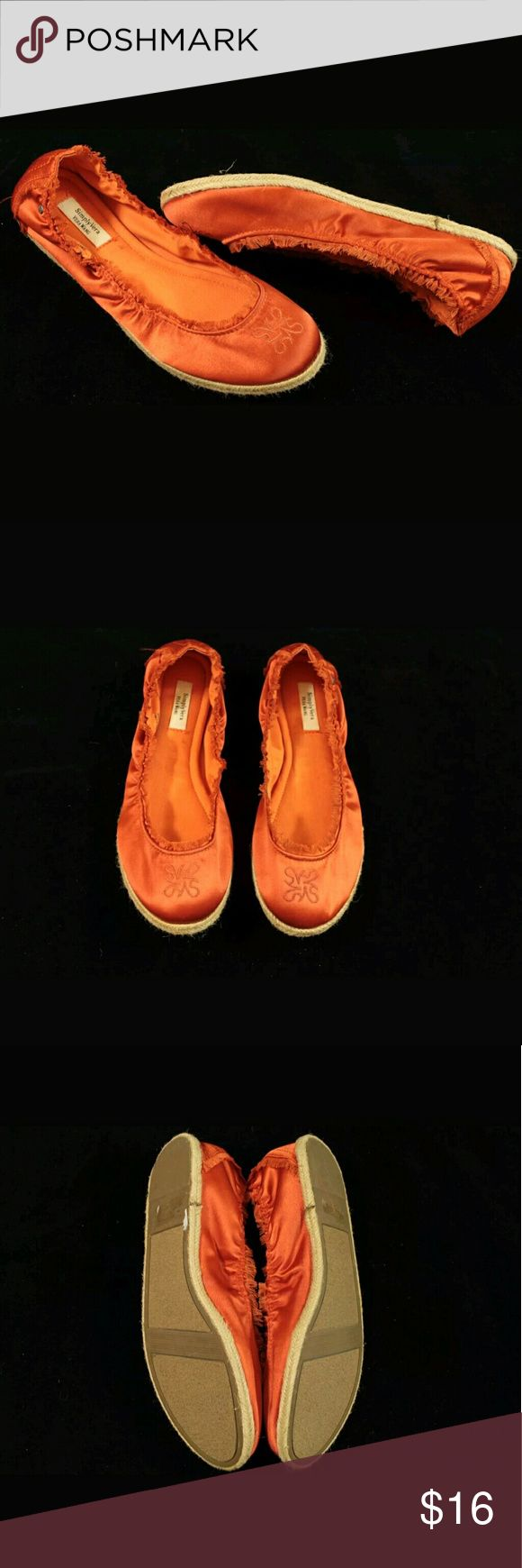 Simply Vera Wang Orange Slip On Ballet Flats Shoes Simply Vera Wang Orange Slip On Ballet Flats Shoes Womens Size 9.5 Medium  Condition:  Great Pre-Owned Condition from clean pet/smoke free home with light wear. See Pics. Simply Vera Vera Wang Shoes Flats & Loafers