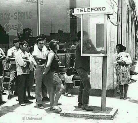 Recuerdan aquellos tiempos al usar un telefono publico y monedas?