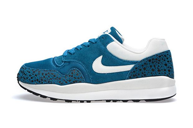 "Nike Air Safari ""Green Abyss"""