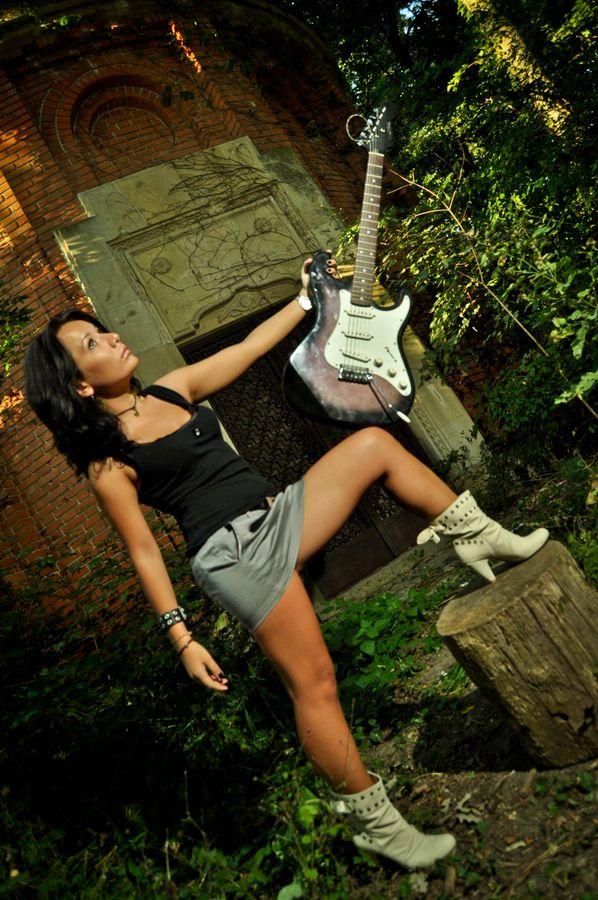 guitar herro by Manea Razvan on 500px